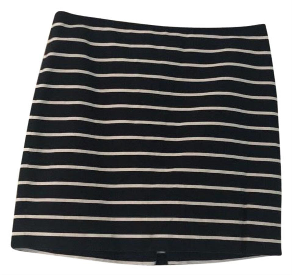 8f709bfe2 Banana Republic Blue and White Striped Skirt Size 12 (L, 32, 33 ...
