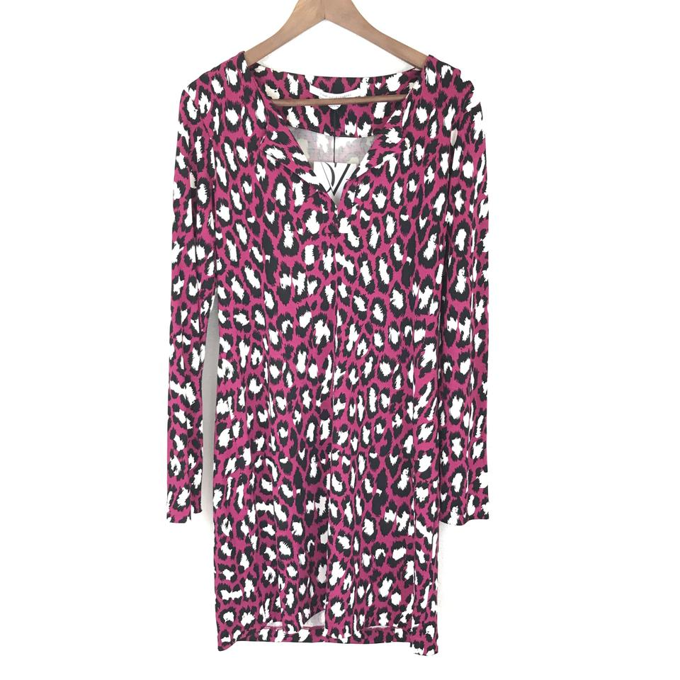 92f558a89ebb5 Diane von Furstenberg Pink Spotted Cat Rouge Mid-length Short Casual ...