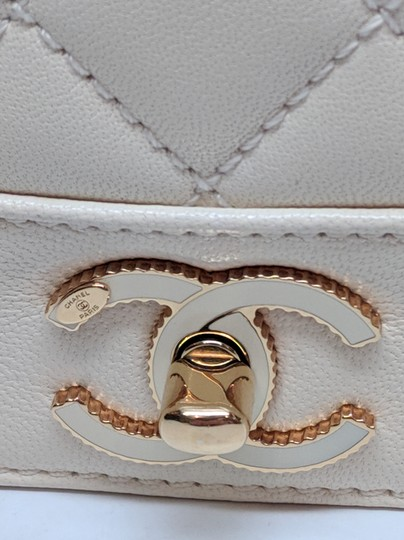 Chanel Mademoiselle Vintage Flap White Shoulder Bag Image 6