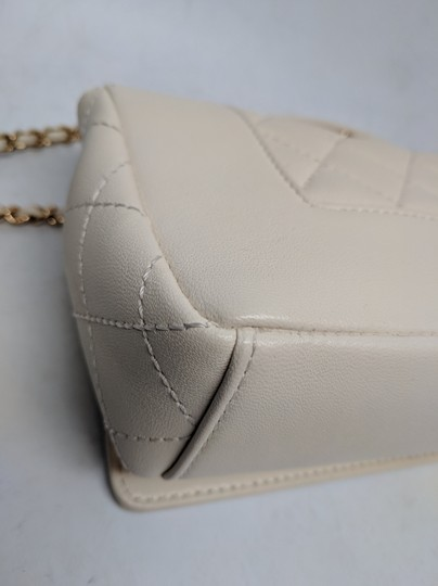 Chanel Mademoiselle Vintage Flap White Shoulder Bag Image 7
