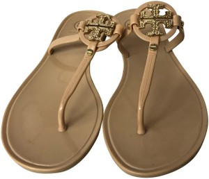 3aaa9643d53e Tory Burch Sandals - Up to 90% off at Tradesy (Page 32)
