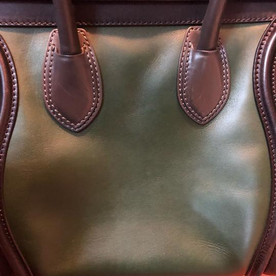 Céline Tote in black green with grey handle Image 17