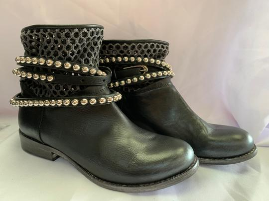 Italian Shoemakers Black Boots Image 2