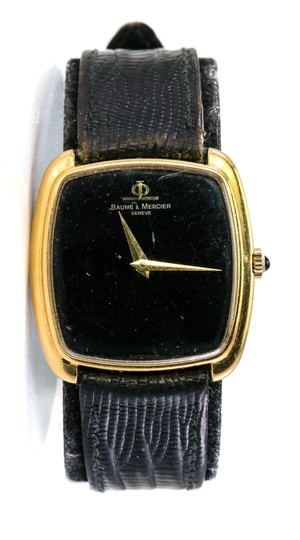 Preload https://img-static.tradesy.com/item/24899376/baume-and-mercier-18k-gold-classic-vintage-watch-0-0-540-540.jpg