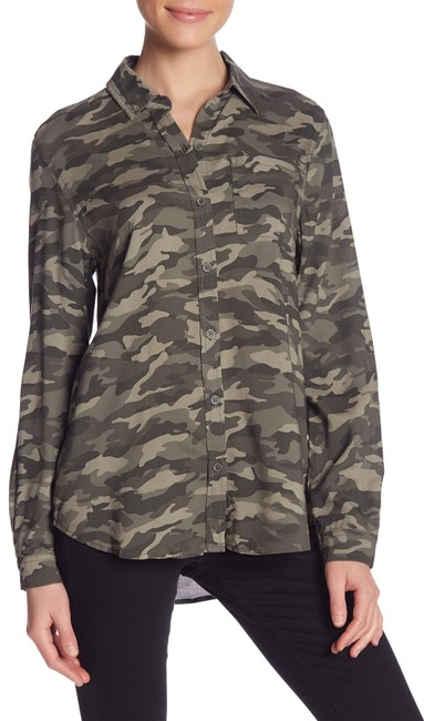 Preload https://img-static.tradesy.com/item/24899543/camo-print-button-front-shirt-button-down-top-size-4-s-0-1-650-650.jpg