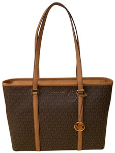 Michael Kors Tote in Multi ( Brown Signature )