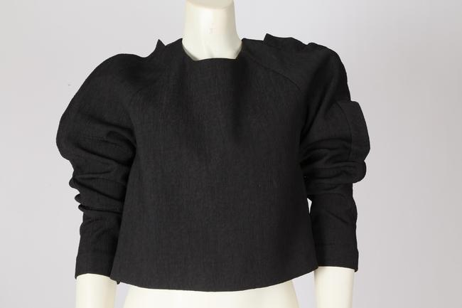 Cameo Casual Cropped Top Black Image 4