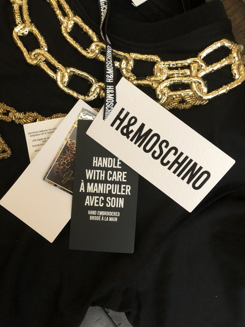 MOSCHINO [tv] H&M Crop Chain Collaboration Chic T Shirt Black, Gold Image 1