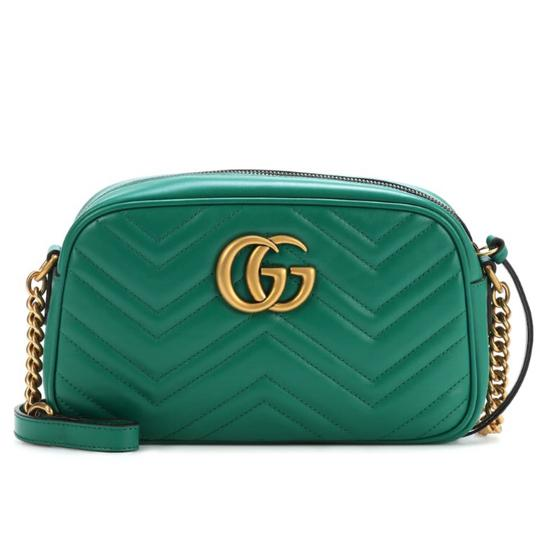 Preload https://img-static.tradesy.com/item/24900152/gucci-marmont-small-quilted-leather-cross-body-bag-0-0-540-540.jpg
