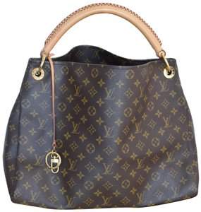 a5a16268480 Louis Vuitton on Sale - Up to 70% off at Tradesy
