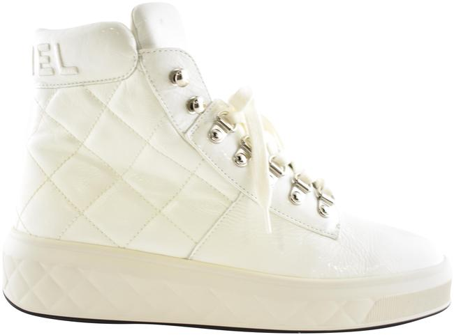 Chanel White 18a Patent Leather Quilted Cc Lace Up High Top Flat Boot Sneakers Size EU 38 (Approx. US 8) Regular (M, B) Chanel White 18a Patent Leather Quilted Cc Lace Up High Top Flat Boot Sneakers Size EU 38 (Approx. US 8) Regular (M, B) Image 1