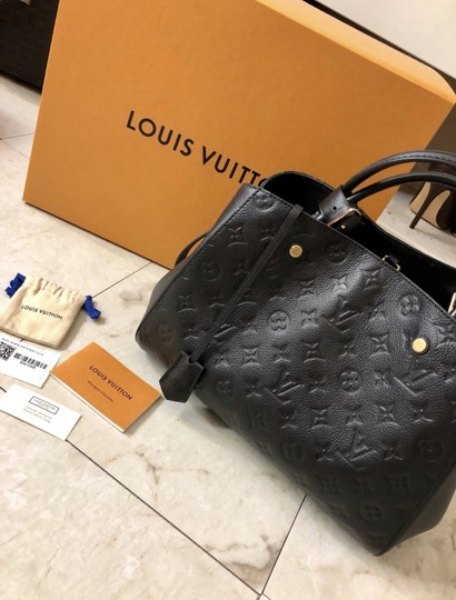 Preload https://img-static.tradesy.com/item/24903127/louis-vuitton-montaigne-mm-m-emp-noir-black-outside-calf-leather-textile-interior-lining-cross-body-0-1-540-540.jpg