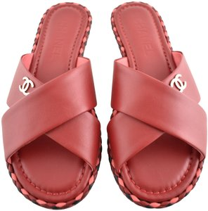 ff4d71a41a5 Chanel Sandals on Sale - Up to 70% off at Tradesy (Page 12)
