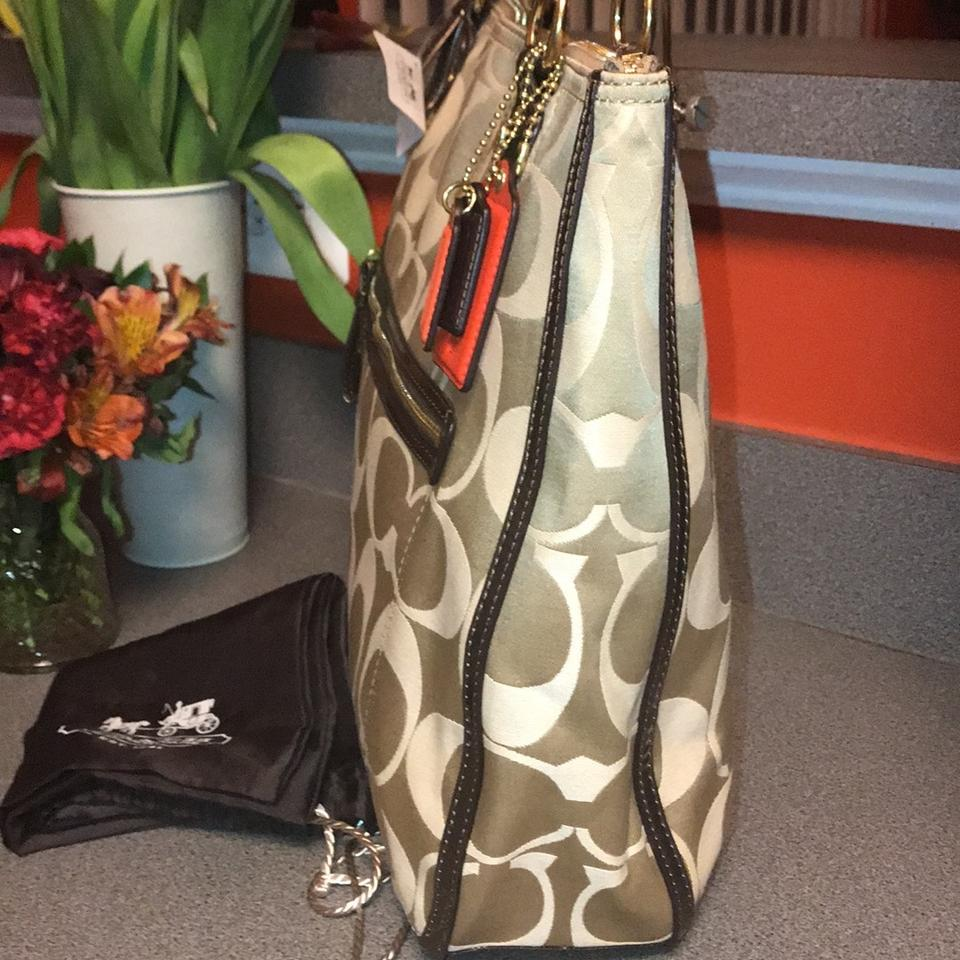 8d98bbd0b320 Coach Dustbag Rare Limited Edition Signature 22463 New Tote in Light Khaki  Bronze. 1234567891011