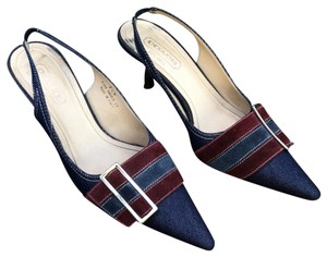 3abcece4312c Red Coach Pumps - Up to 90% off at Tradesy