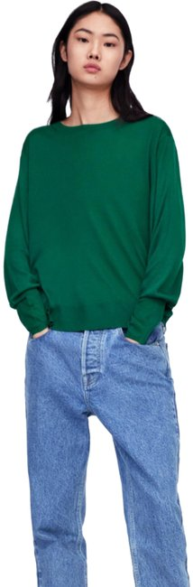 Item - With Puff Sleeves Green Sweater