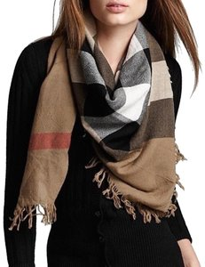 Burberry NWT BURBERRY COLOR CHECK WOOL SQUARE SCARF WRAP