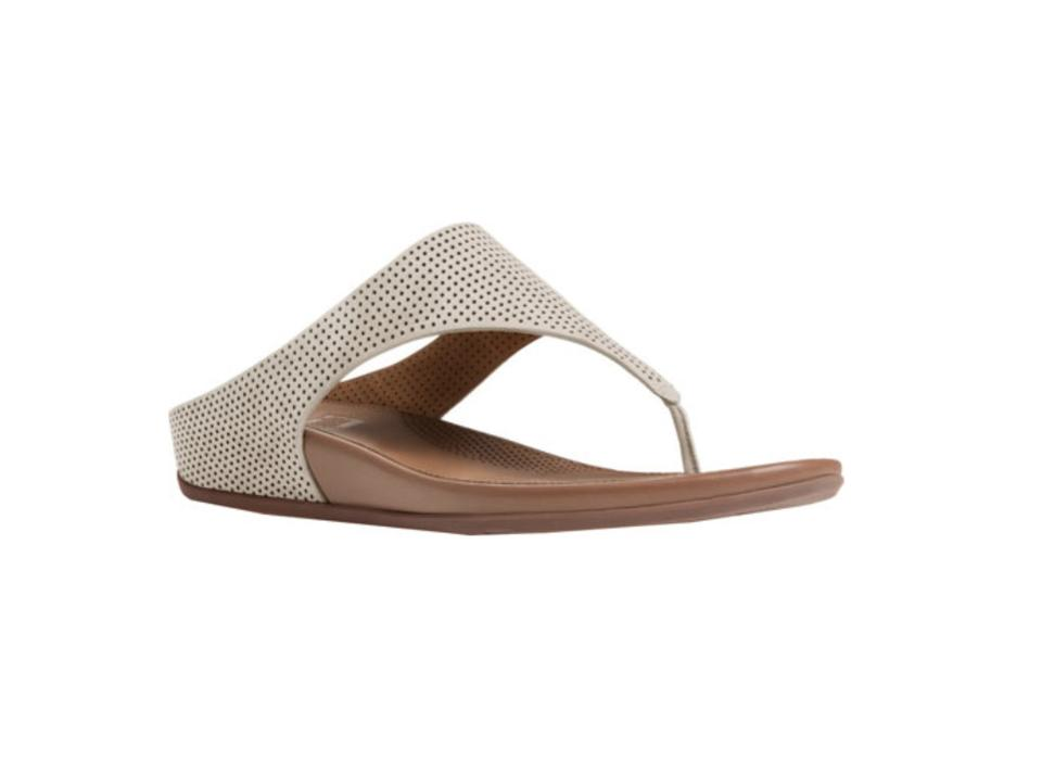20243111f FitFlop White   Brown Banda Thong Women s Sandals. Size  US 8 Regular (M ...