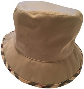 Burberry Hats   Caps - Up to 70% off at Tradesy 80d58d10d822