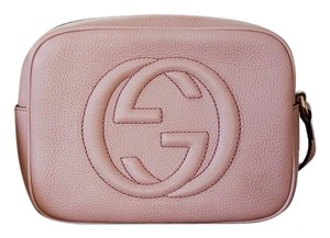 c24f9de17fba Added to Shopping Bag. Gucci Cross Body Bag. Gucci Soho Disco Camera ...