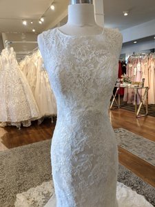 Allure Bridals Ivory Tulle Over Satin 9352 Modest Wedding Dress Size 8 (M)