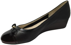 Cole Haan Bow Charm Signature Excellent Black Patent Leather Wedges