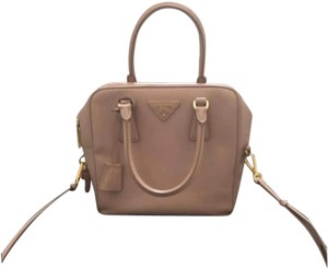 b5d71366cc44 Prada Shoulder Bags - Up to 70% off at Tradesy