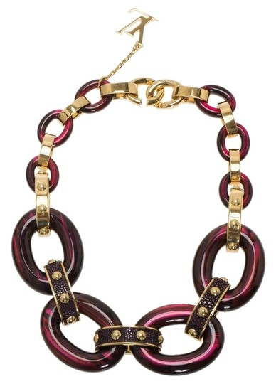Preload https://img-static.tradesy.com/item/24911287/louis-vuitton-burgundy-gimme-a-clue-resin-necklace-0-1-540-540.jpg