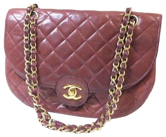Preload https://img-static.tradesy.com/item/24911526/chanel-flap-classic-quilted-burgundy-lambskin-leather-shoulder-bag-0-1-540-540.jpg