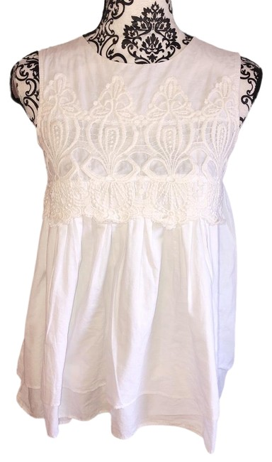 Item - White Embroidered Small Flowy Tank Top/Cami Size 4 (S)