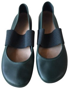 Camper Turquoise with navy Flats