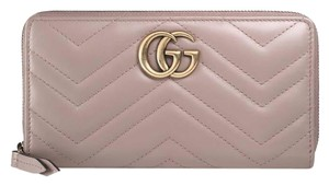 Gucci NIB Gucci GG Marmont zip around dusty pink leather wallet