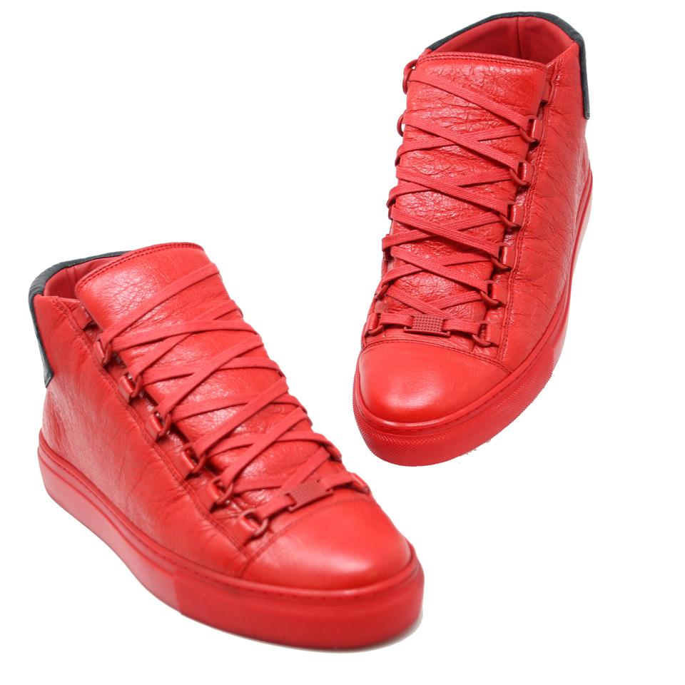 8248d667a16e2 Balenciaga Red Black Crackled Leather Arena Men s Laced Up Mid Top Sneakers  Sneakers