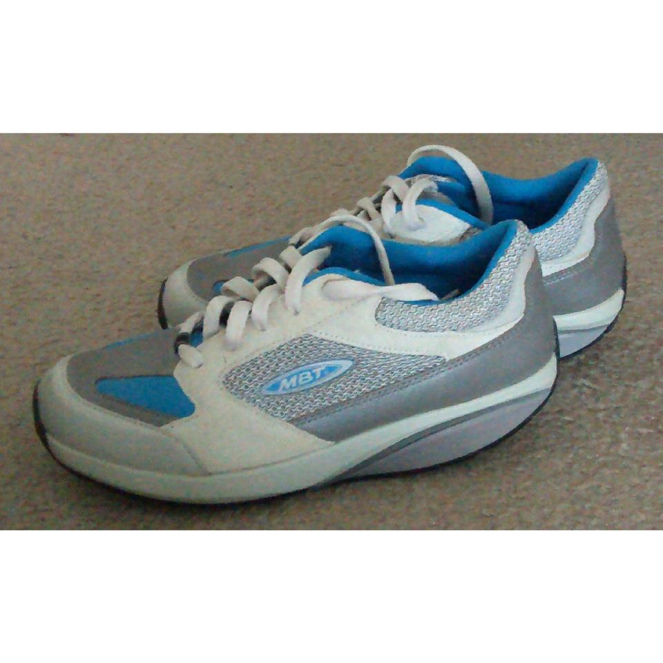 9bad5ee1dc1b MBT Blue and White Moja Sneakers Size US 7.5 Regular (M