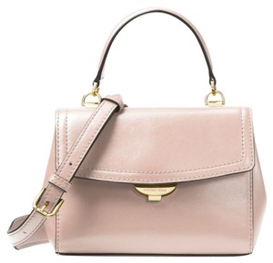 Pink Michael Kors Cross Body Bags - Up to 90% off at Tradesy (Page 2) 2b1894e17feae