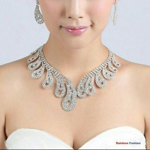Fashion Jewelry For Everyone Silver Crystal Rhinestone Engagement Plated Necklace