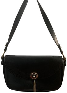 613f0a10cdd4 Versace Bags - Up to 90% off at Tradesy
