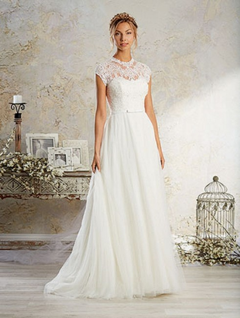 Item - White 8570 Casual Wedding Dress Size 12 (L)