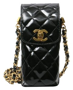 quality design 3799a 5299f Chanel Messenger Vintage Quilted Cell Phone Black Patent Leather Cross Body  Bag 60% off retail