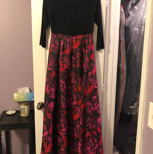 Adrianna Papell Black/Floral Gown Formal Bridesmaid/Mob Dress Size 6 (S) Image 4