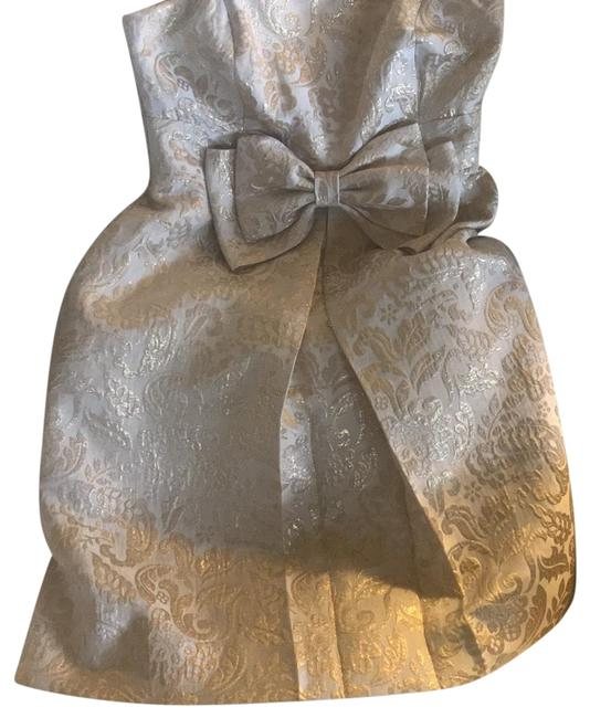 Item - Off White and Gold. Silk Metallic Short Night Out Dress Size 0 (XS)