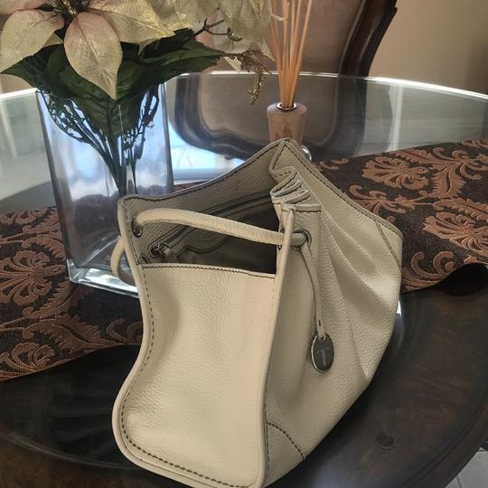 Tod's Drained Leather White Ivory Drawstring Bag Tote in White Image 1