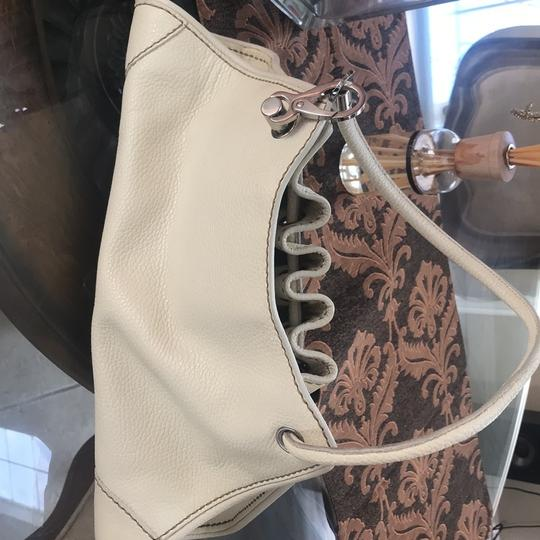 Tod's Drained Leather White Ivory Drawstring Bag Tote in White Image 4