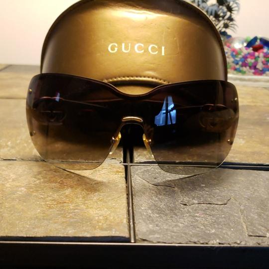 Preload https://img-static.tradesy.com/item/24919255/gucci-tortishell-frames-with-gold-gg-on-the-earpiece-temples-and-dark-brown-ombre-polarized-lenses-c-0-0-540-540.jpg
