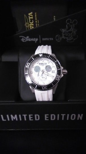 Invicta Disney Limited Edition 22753 Stainless Automatic Image 2