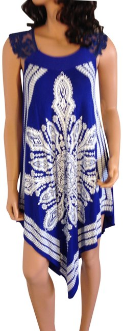 Preload https://img-static.tradesy.com/item/24919790/blue-and-white-paisley-lace-tunic-size-4-s-0-1-650-650.jpg