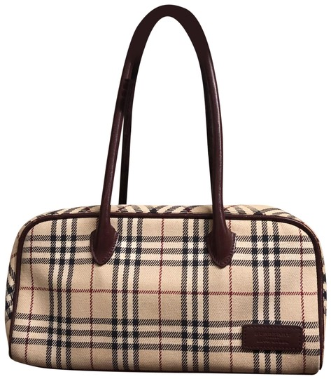 Preload https://img-static.tradesy.com/item/24919800/burberry-canvas-and-leather-tote-0-1-540-540.jpg