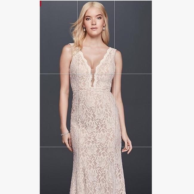 Item - Ivory/Nude Lace Sheath with Plunging V-neckline Sexy Wedding Dress Size 12 (L)