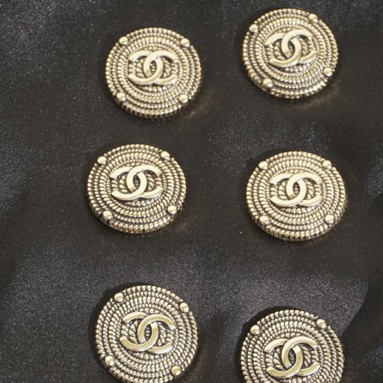 100% Chanel Buttons 9 pieces Bronze tone 100% Chanel buttons lot of 9 btonzd tone logo CC size 1 inch or 24 mm metal Image 3