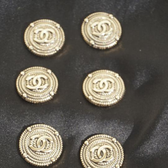 100% Chanel Buttons 9 pieces Bronze tone 100% Chanel buttons lot of 9 btonzd tone logo CC size 1 inch or 24 mm metal Image 6